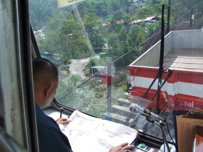 conducteur funiculaire penang hill malaisie