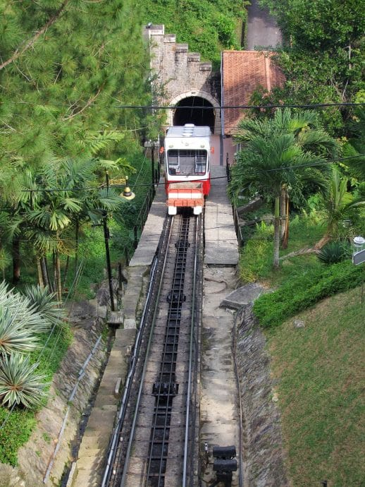 funiculaire tunnel penang hill malaisie
