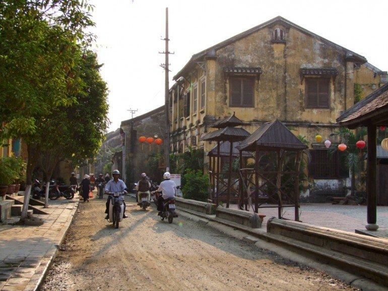 rue hoi an vietnam