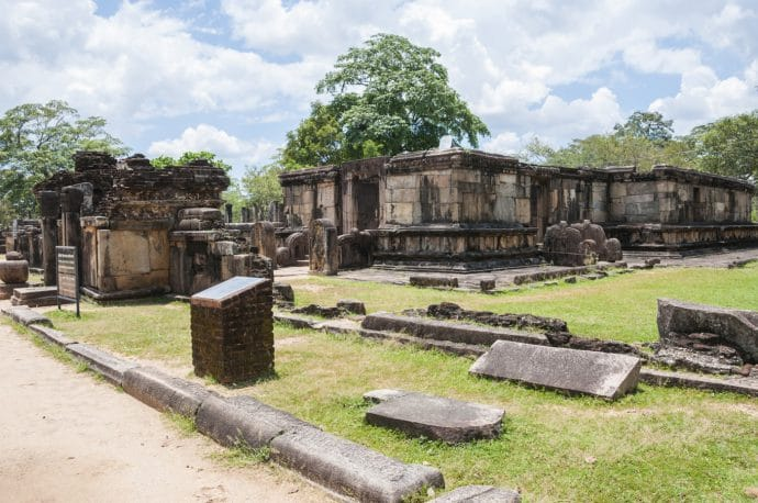 quadrangle hatadage - polonnaruwa - sri lanka