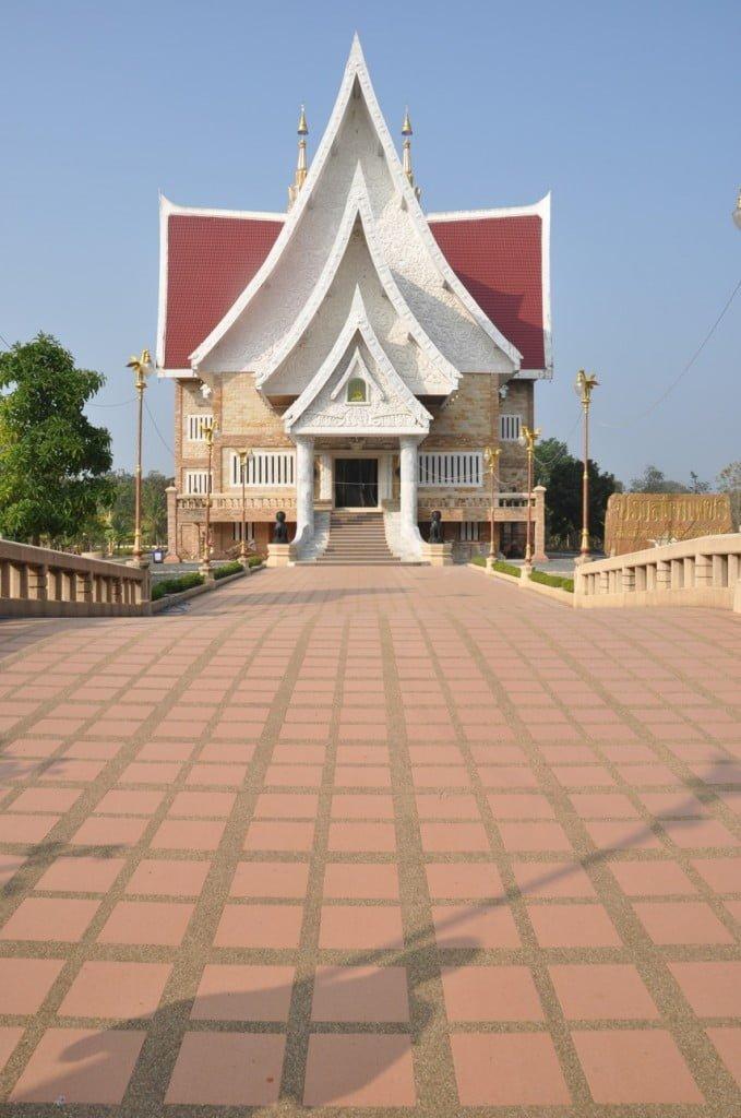 Temple Thai Khmer-marbre-Prasat-Surin-Issan-Thailande