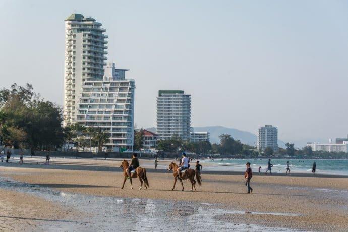 chevaux plage hua hin - thailande
