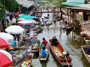 Tha Kha floating market, un authentique marché flottant