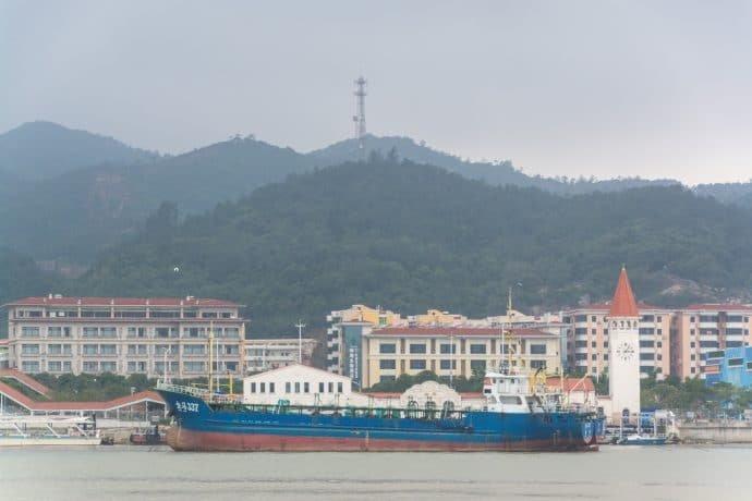 ville chinoise en face de macao