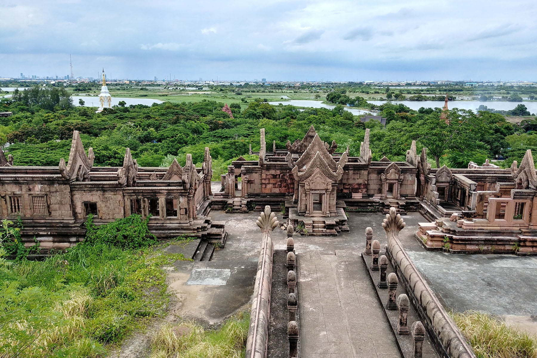 cover ancient city samut prakan - thailande