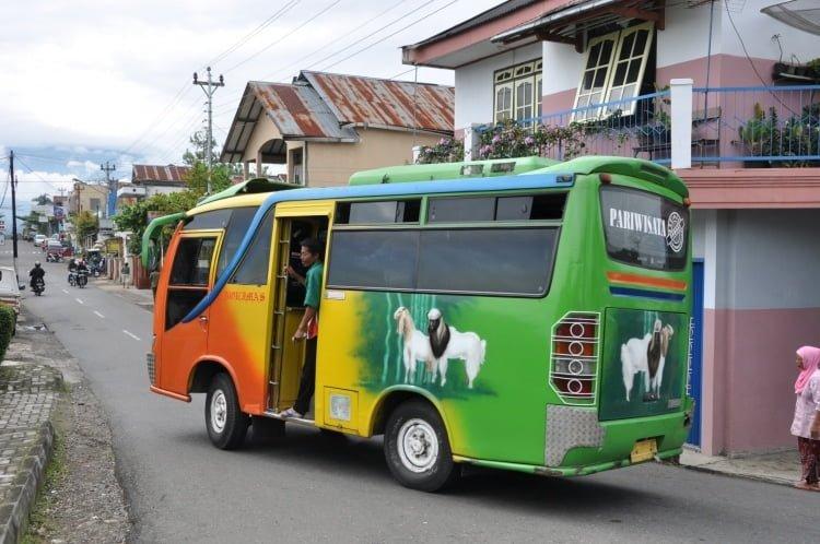 bus local wonosobo indonésie