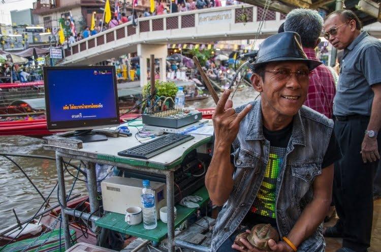 karaoke marché flottant amphawa - thailande